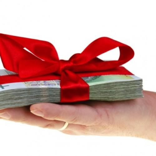 Jak rozliczyć prezenty okolicznościowe dla podwładnego?