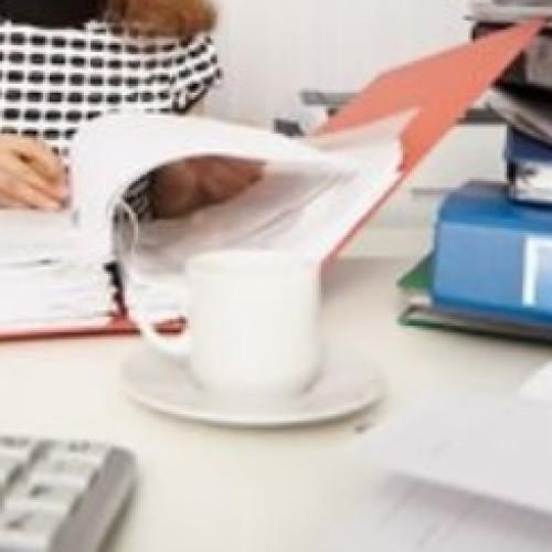 Jakie procedury należy wypełnić w związku z delegacją pracownika?