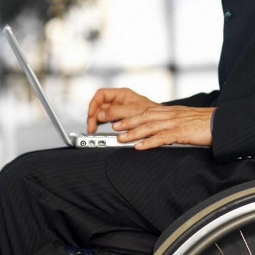 Koniec z wykluczeniem osób niepełnosprawnych podczas korzystania z usług finansowych