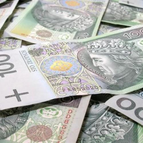 Rekordowe oszczędności w III filarze. Polacy odłożyli na emeryturę ponad 9 mld zł