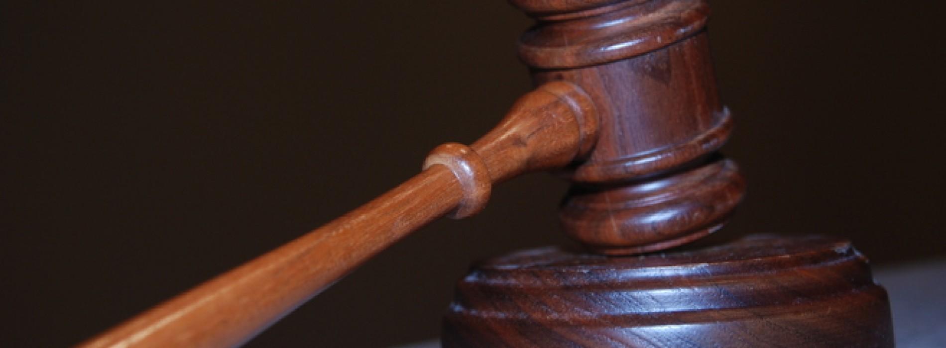 Podział majątku po rozwodzie – notarialnie czy sądowo?