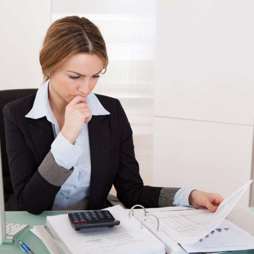 Jesteś małym lub średnim przedsiębiorcą? Już wkrótce czekają Cię elektroniczne kontrole podatkowe. Sprawdź, jak przygotować się do nowych przepisów.