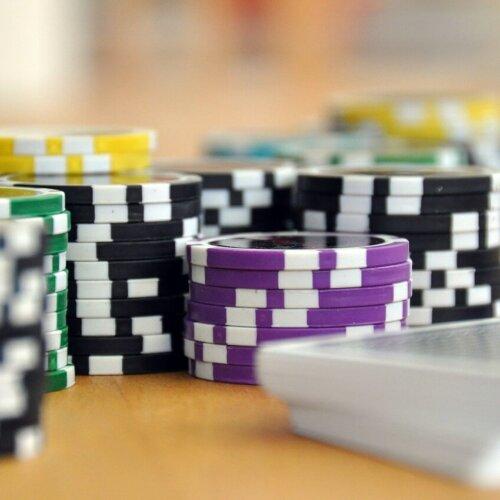 W Polsce legalnie działające firmy hazardowe płacą jedne z najwyższych podatków w UE