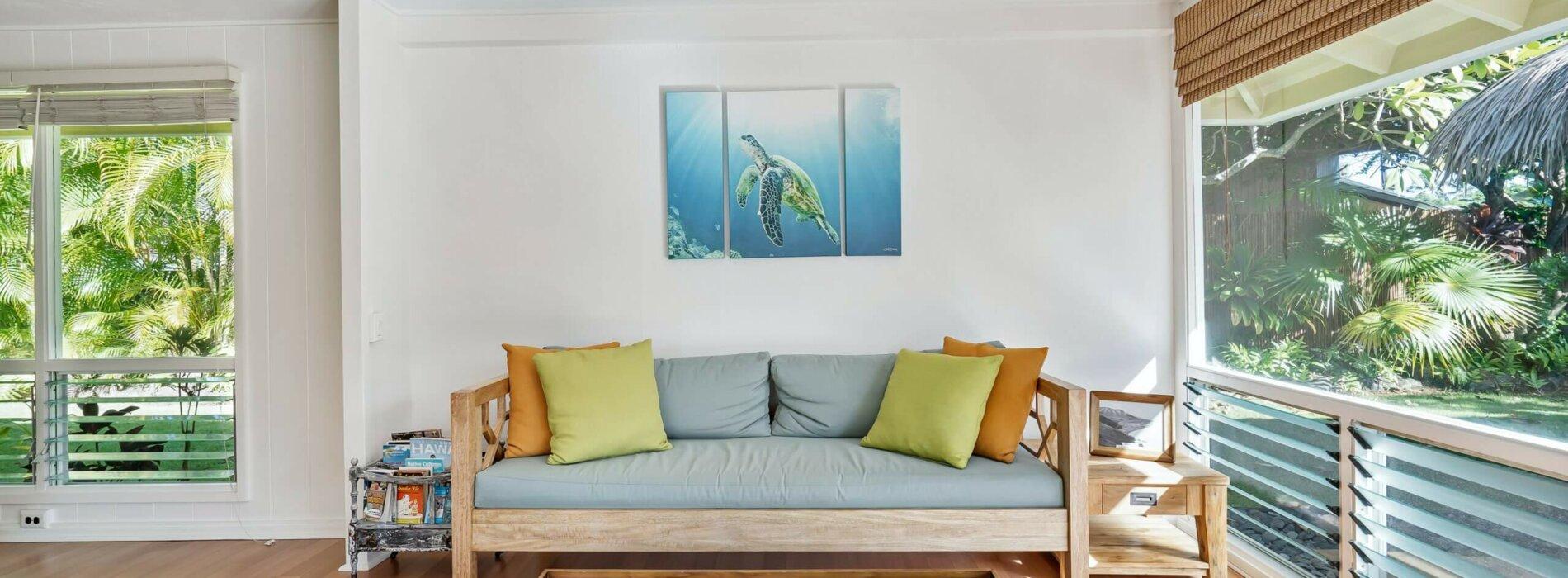 Narożnik czy tradycyjna sofa? Co kupić do salonu?